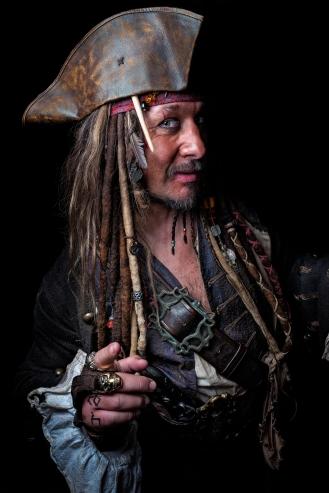captain-jack-sparrow_27250306092_o